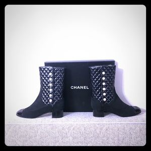 NEW CHANEL HIGH BOOTS SIZE 40